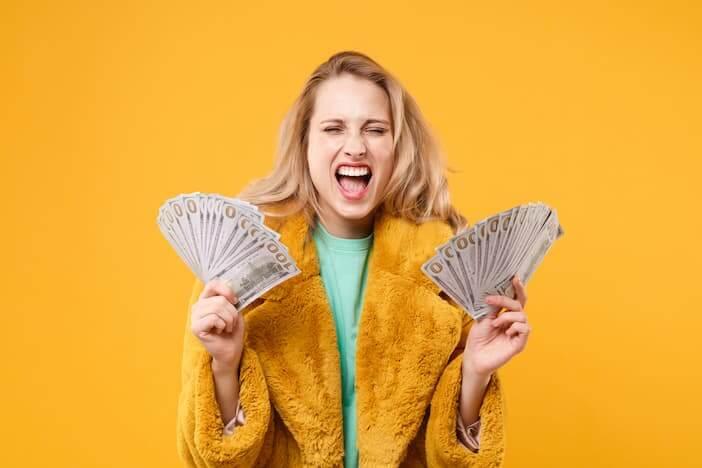 woman-wins-US-lottery jpg